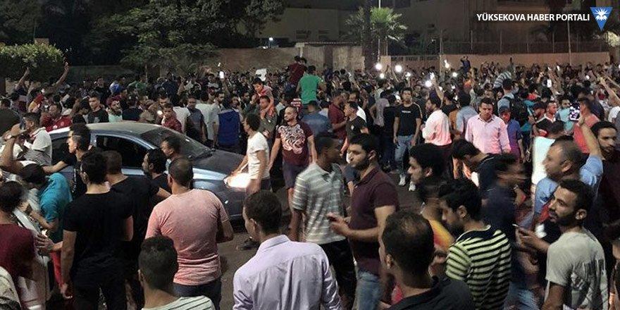 Sisi karşıtı eylemlerde en az 300 kişi gözaltına alındı
