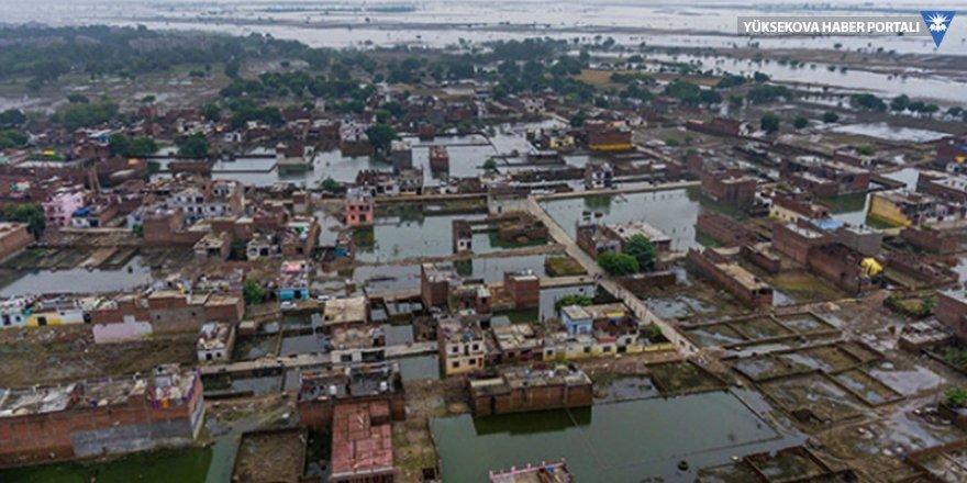 Hindistan'daki muson yağmurlarında ölü sayısı 120'ye çıktı