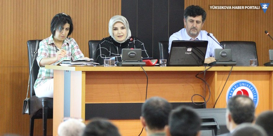 "Hakkari'de İranlı şair ""Pervin İtisami"" konulu seminer"