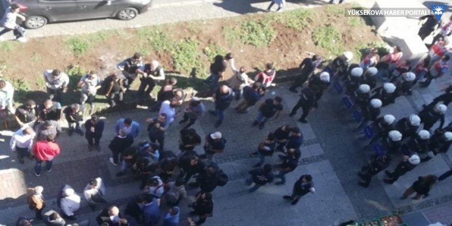 Beşiktaş'ta gözaltına alınan 9 HDP'li tutuklandı