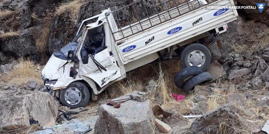 Derecik'te trafik kazası: 1 ölü, 2 yaralı