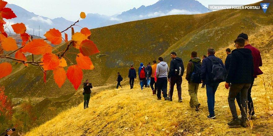 Hakkari Üniversitesi öğrencilerinden doğa yürüyüşü