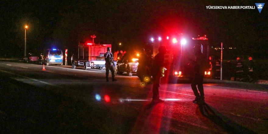 Van'da askeri zırhlı araç devrildi: 26 yaralı