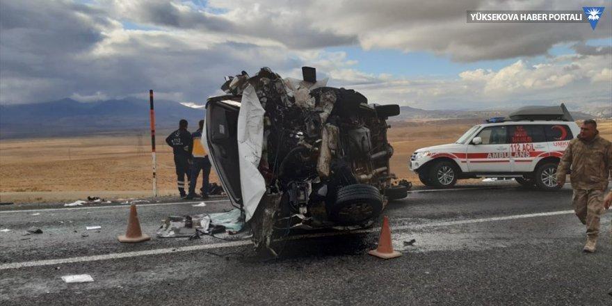 Van-Hakkari karayolunda kaza: 3 kişi öldü, 4 kişi yaralandı