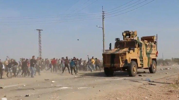 Kobani'de Türk-Rus devriyesi taşlandı