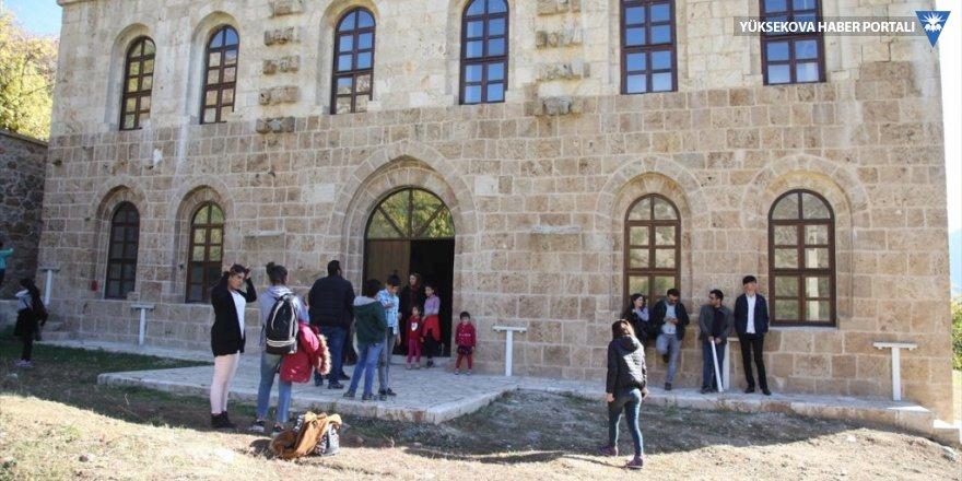 Öğrenciler, Şemdinli'deki tarihi yerleri gezdi