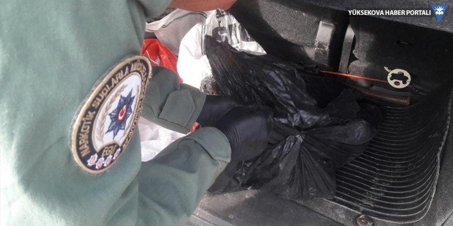 Van'da kamyonette 6 kilogram eroin ele geçirildi