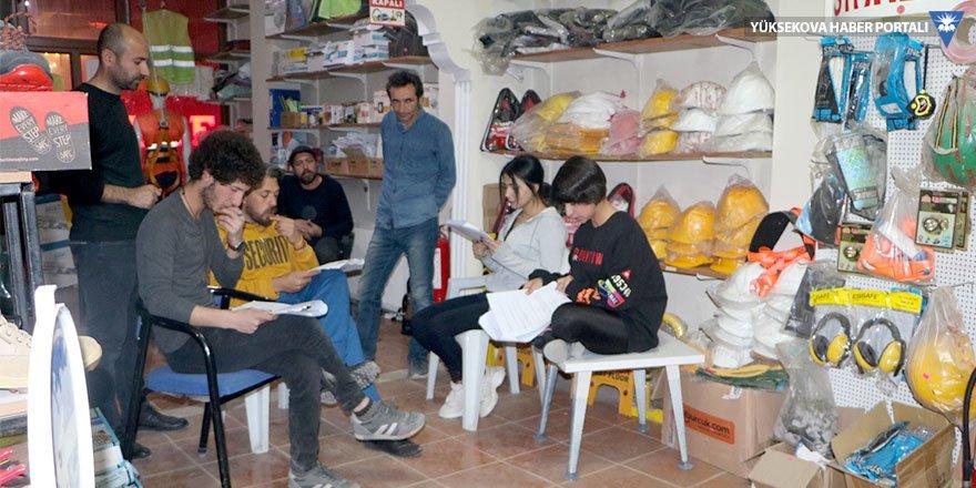 Yüksekovalı tiyatrocular destek bekliyor
