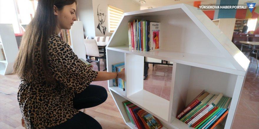Yüksekova'da belediye kütüphanesi yenilendi