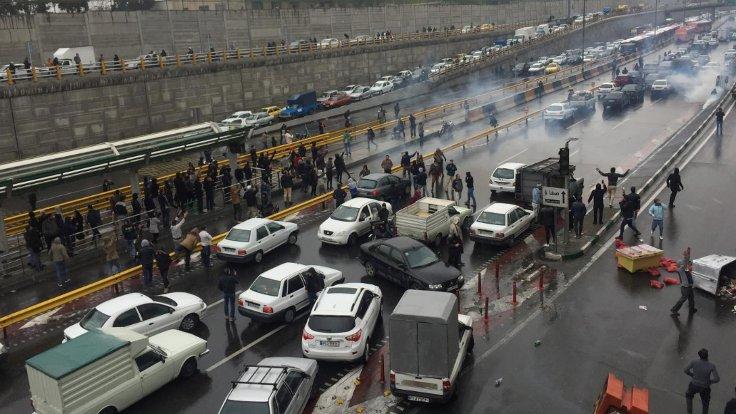 Af Örgütü: İran protestolarında 106 kişi öldürüldü