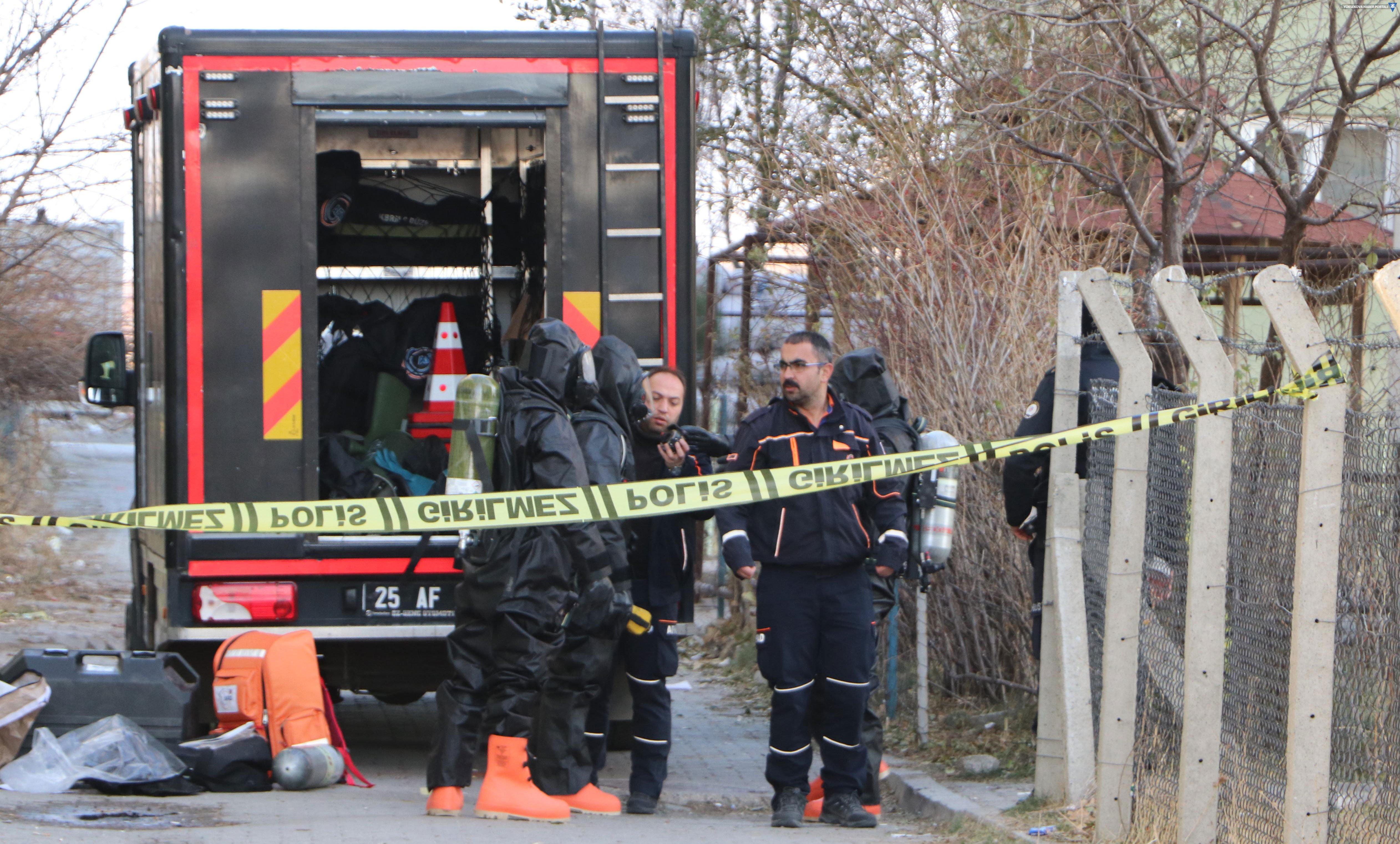 Kimyasal madde ile intihara kalkıştı, 18 kişi hastaneye kaldırıldı