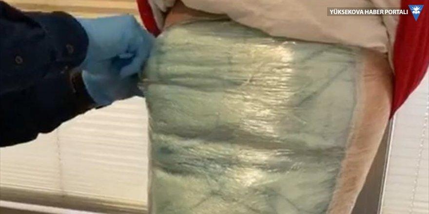 Van'da uyuşturucuyla uçağa binmek isteyen şüpheli tutuklandı