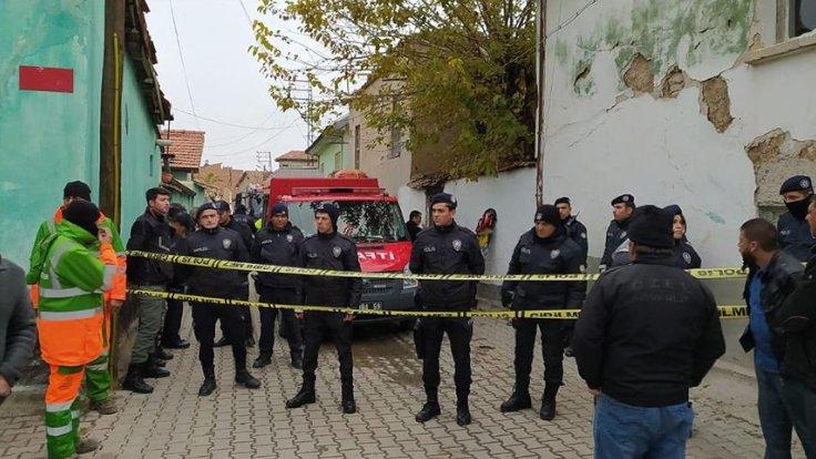 Konya'da bina çöktü: Üç ölü