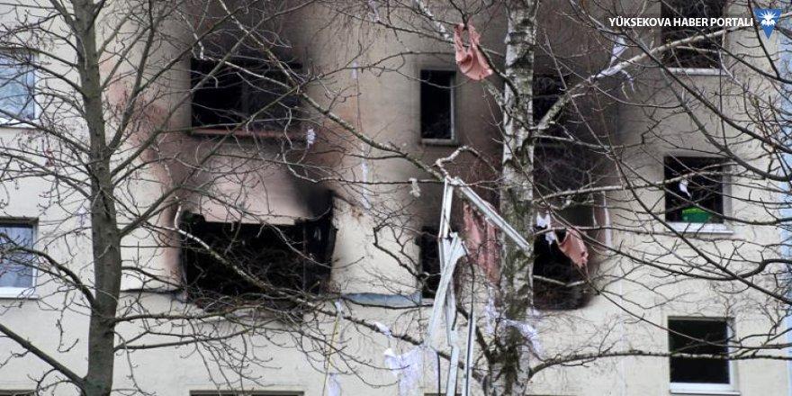 Almanya'da bir evdeki cephanelik patladı