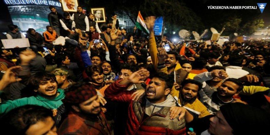 Hindistan'da altı kişi öldü