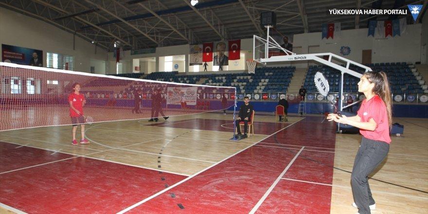 Anadolu Yıldızlar Ligi Badminton grup müsabakaları Hakkari'de başladı