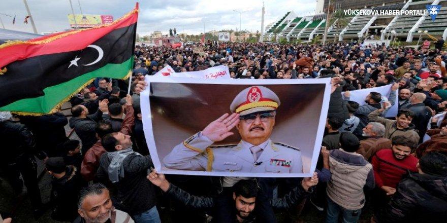 Libya'da Hafter tarafı ateşkesi kabul etti
