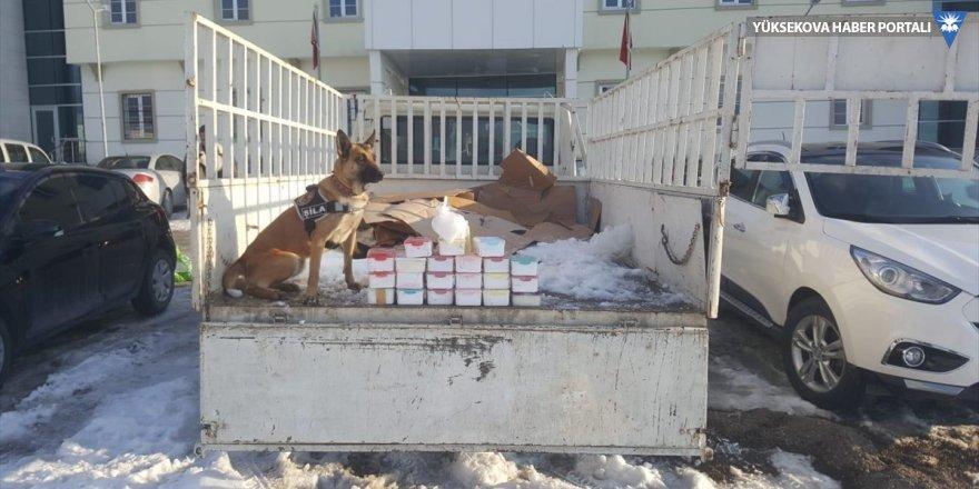 Van'da saklama kaplarına gizlenmiş 13 kilogram sentetik uyuşturucu ele geçirildi