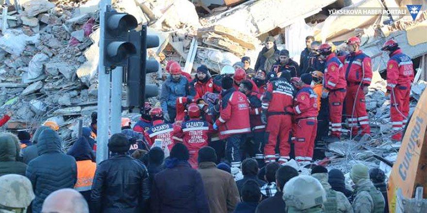 Telefon operatörlerinden deprem bölgesine ücretsiz internet