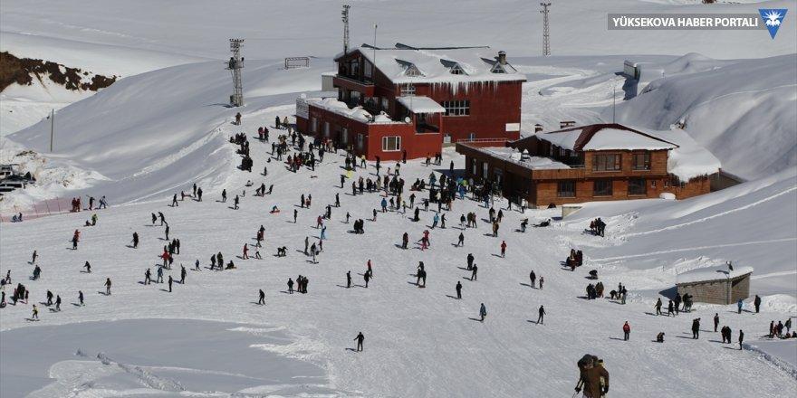Hakkari, kayak tutkunlarını ağırlıyor