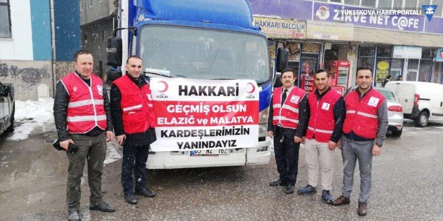 Hakkari'den depremzedelere yardım