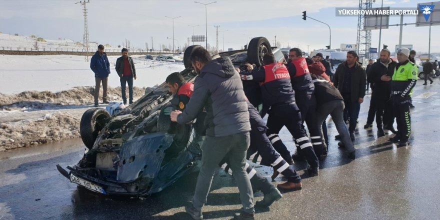 Ağrı'da tır ile otomobilin çarpışması sonucu 1 kişi öldü, 2 kişi yaralandı