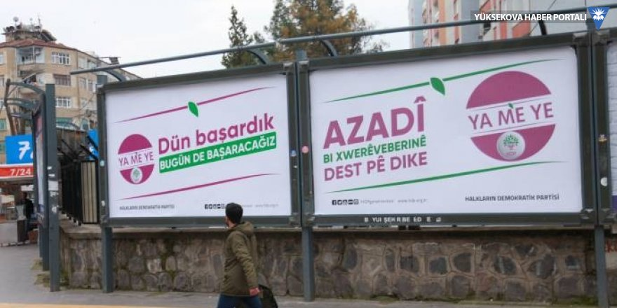Çevirisi yanlış yapılan afiş davasında beraat