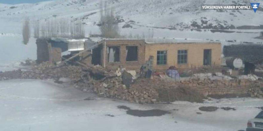 Depremin vurduğu İran'da 44 köy yaşanmaz durumda