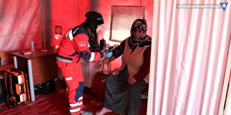 Deprem bölgesinde sahra hastanesi kuruldu