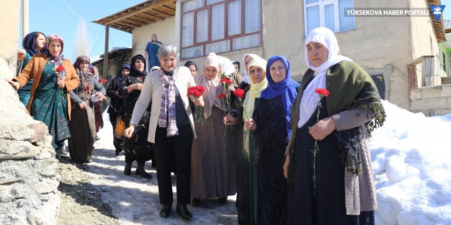 Leyla Güven Yüksekovalı kadınlarla buluştu
