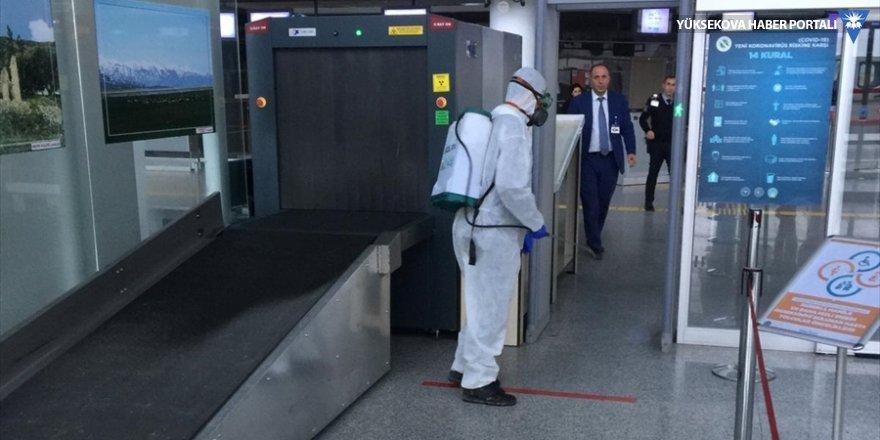 Yüksekova Selahaddin Eyyubi Havalimanı dezenfekte edildi