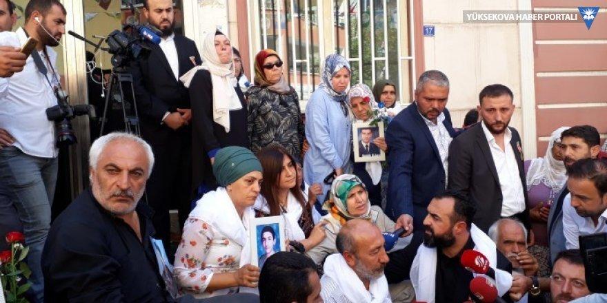 HDP bina önünde bekletilen ailelerin kaldırılmasını istedi