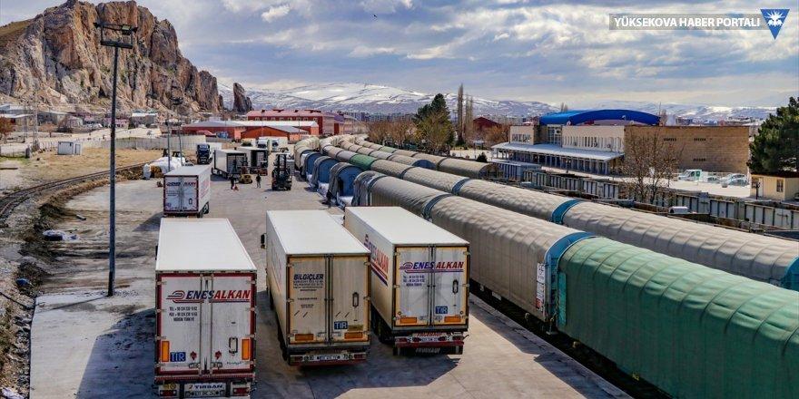 İhracat ürünleri Van'dan demir yoluyla İran'a gönderiliyor