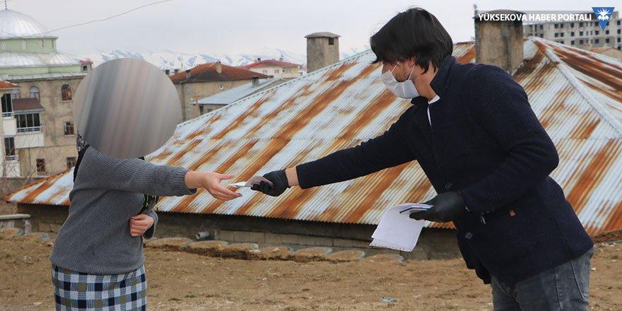 Yüksekova'da sosyal yardımlar dağıtılmaya başlandı
