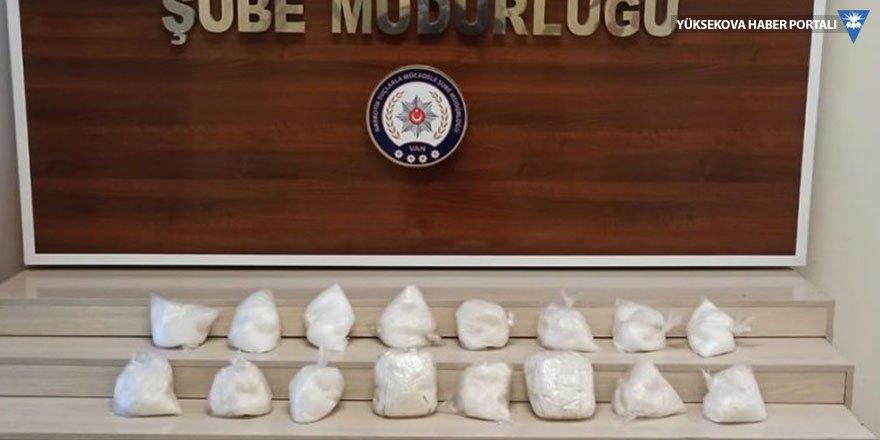 Van'da 9 kilo 76 gram sentetik uyuşturucu ele geçirildi