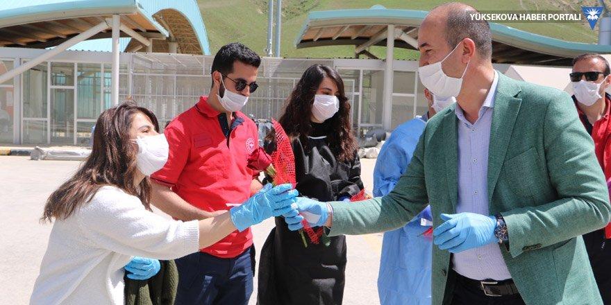 Sınırın sıfır noktasında sahra hastanesinde görev yapan hemşireler unutulmadı