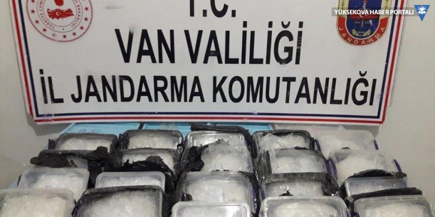 Başkale'de 17 kilogram uyuşturucu ele geçirildi