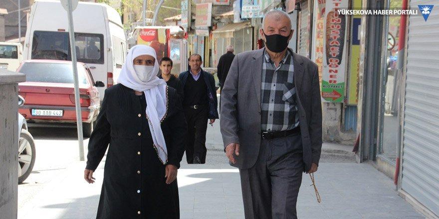 65 yaş ve üstü vatandaşlar yeniden sokağa çıktı