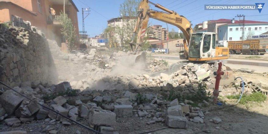 Yüksekova'da 25 kişiye işgaliye tebligatı