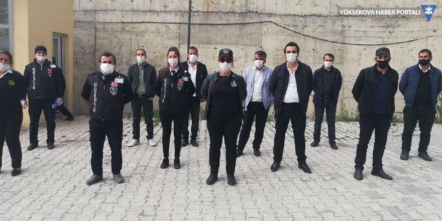 Okullardaki güvenlik görevlileri işlerinde 'süreklilik' istiyor