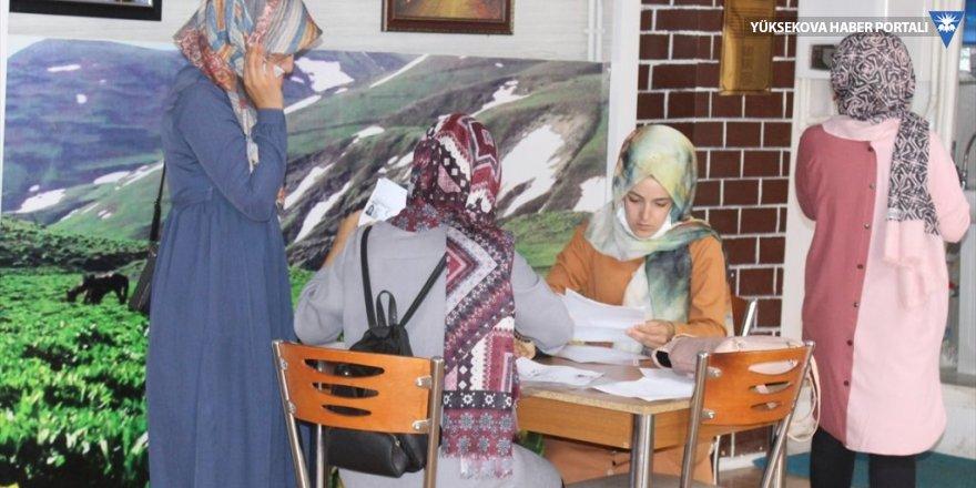 Şemdinli Belediyesi'nden YKS öğrencilerine ulaşım desteği