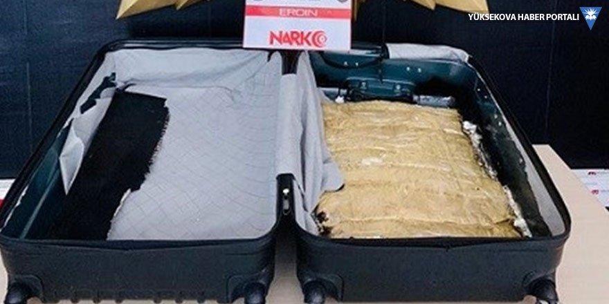 Yüksekova'da 4 kilogram eroin ele geçirildi