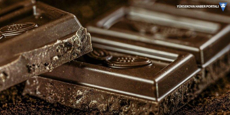Haftada en az bir kez çikolata yemek kalp damarlarını sağlıklı kılıyor