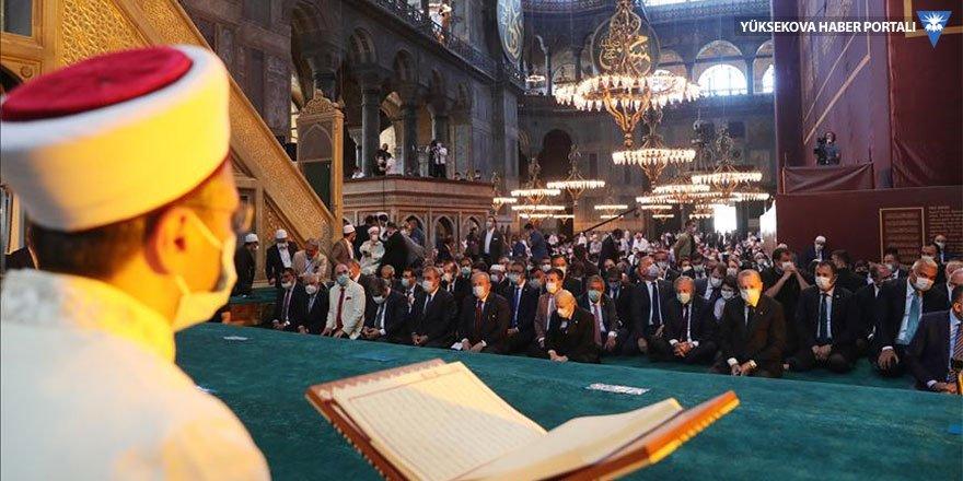 86 yıl sonra ilk: Ayasofya, cuma namazıyla birlikte ibadete açıldı