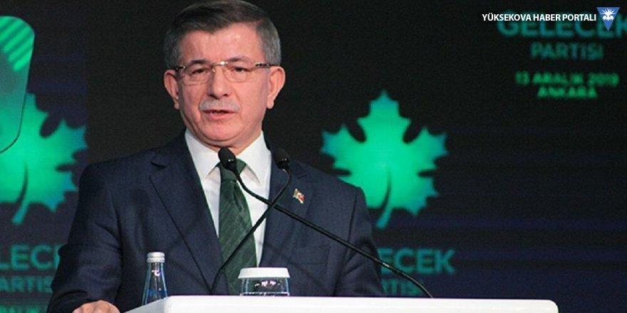 Davutoğlu: Ben başbakanlığı devrettiğimde dolar 2.85'ti