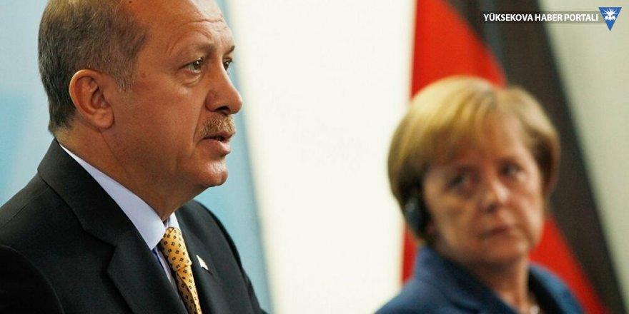 Erdoğan, Merkel'le görüştü: Yapıcı bir yaklaşım olursa anlaşmazlıklar müzakere ile çözülebilir