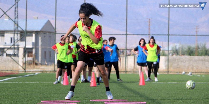 Yüksekova Kadın Futbol Takımı'nın hedefi 1'inci Lig