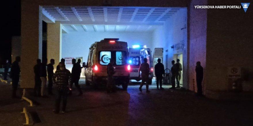 Tatvan'da otomobil ile tır çarpıştı: 2 ölü, 3 yaralı