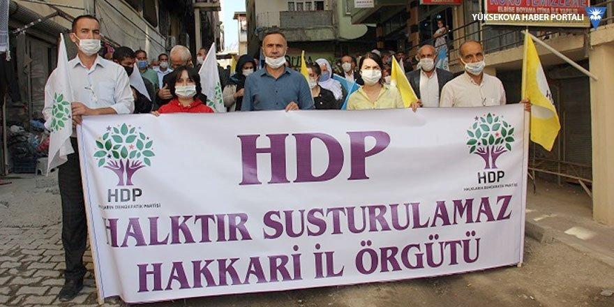 HDP Hakkari il örgütünden oturma eylemi: Partinize sahip çıkın