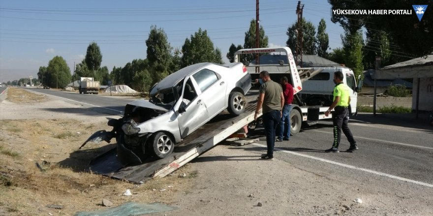 Erciş'te trafik kazası: 2 yaralı